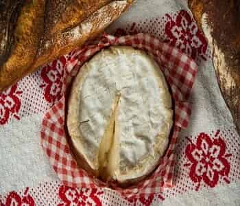 https://www.brisbanecheeseawards.com.au/wp-content/uploads/2019/05/Camembert.jpg