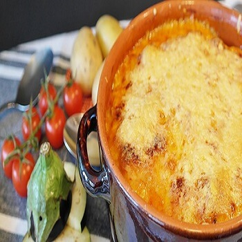 https://www.brisbanecheeseawards.com.au/wp-content/uploads/2019/05/Skillet-Scalloped-Potatoes.jpg